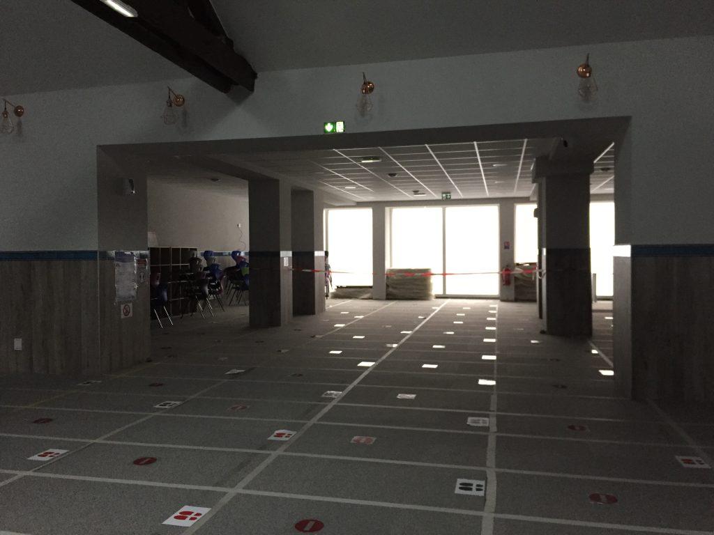 Photo de la salle de prière rue de la Salle à Nancy vide en raison du confinement .